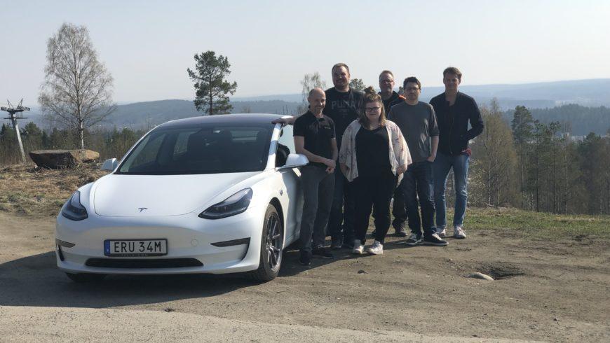 Leosol elektrifierar våra bilar!