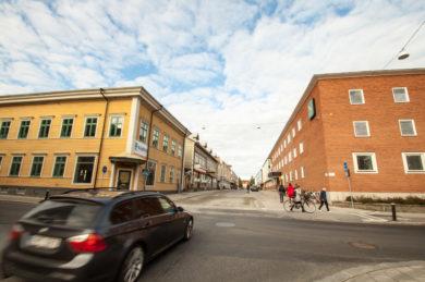 Leosol gör styrning för fjärrkyla, fjärrvärme och ventilation i modernt kontor i stan!